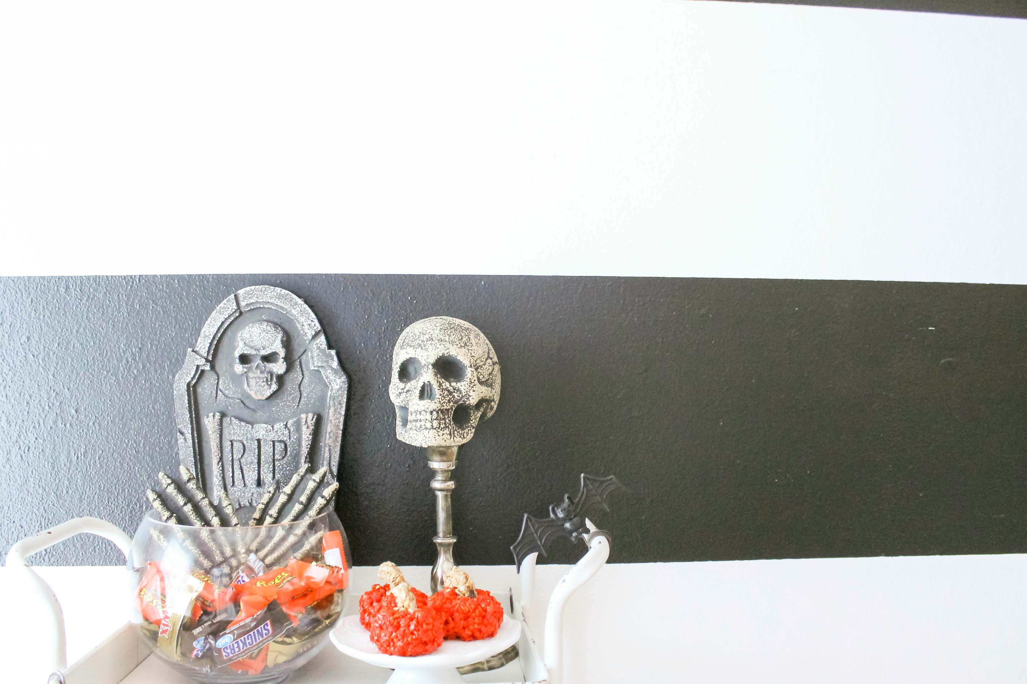Bar Cart Styling – Halloween