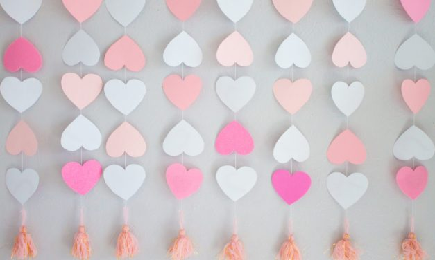 DIY Paper Heart Backdrop