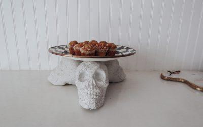 DIY Stone Skull Tray Stand