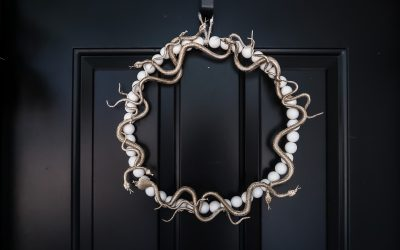 DIY Medusa Wreath